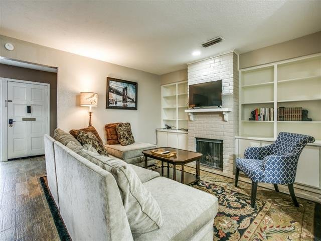 Main picture of House for rent in Addison, TX